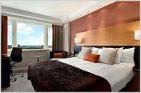 King deluxe room - London Hilton Metropole