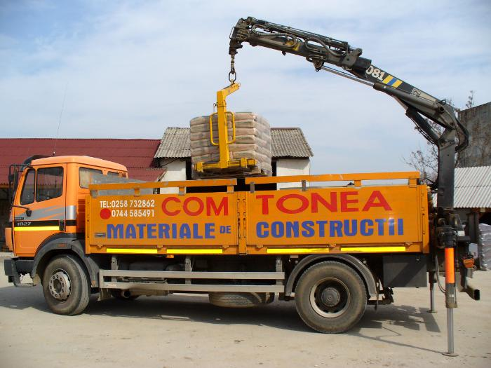Macara transport materiale de constructie