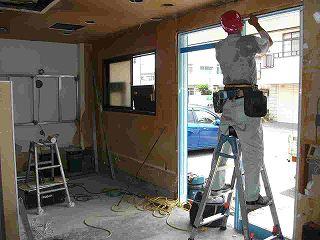 工事写真,美容室,商業施設,配管工事,入り口サッシ交換,