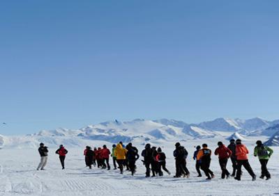 南極アイスマラソン&トライアスロン