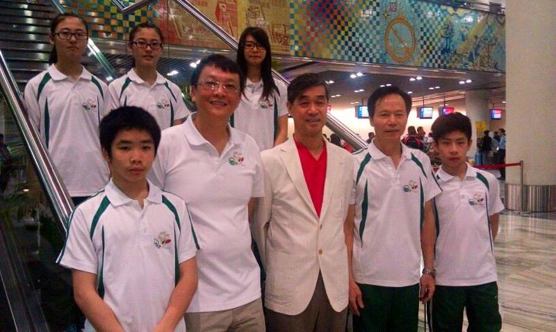 泳總主席麥志權及澳門跳水代表隊