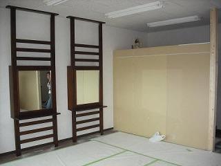 店舗内装 美容院 デザイン ローコスト 沼津市 静岡県 間仕切り壁 鏡家具
