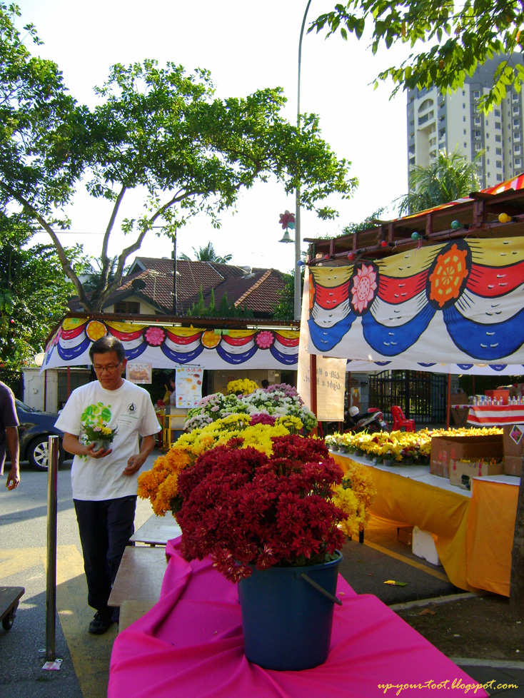 Wesak Day eve 2012 at Maha Vihara Brickfields KL