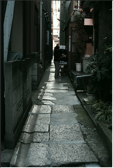 kagurazaka_101205_03.jpg