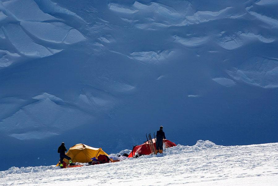 ビンソンマッシフ登山イメージ