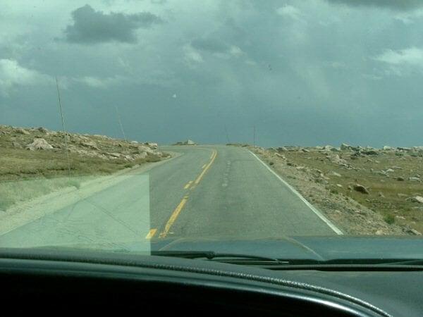 路途上的風景都是長這樣,隨著路面上上下下