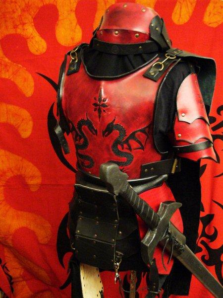 La Griffe Du Dragon Noir -cuir- P1040302