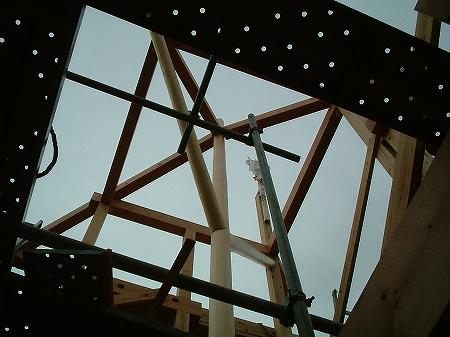 吹き抜け・オール電化床暖房・デザイン注文住宅の工事過程写真12トップサイドライト軸組